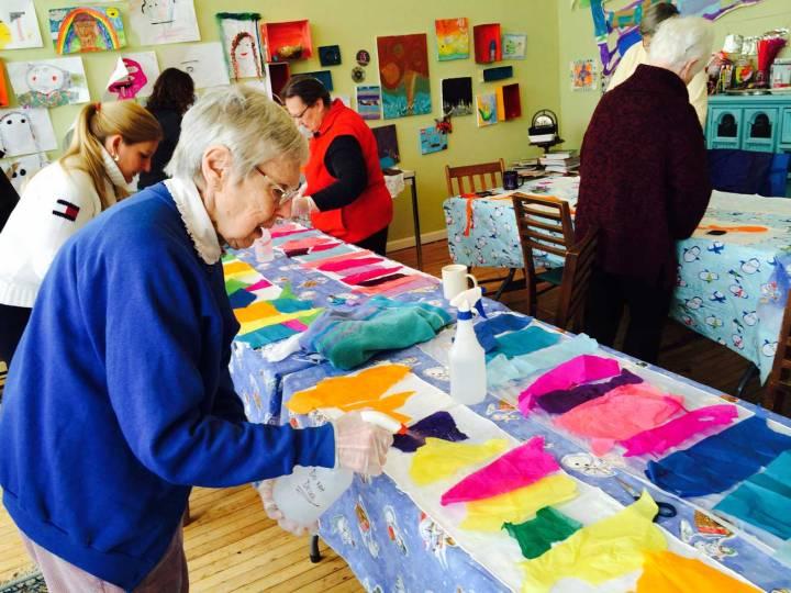 senior-scarf-making